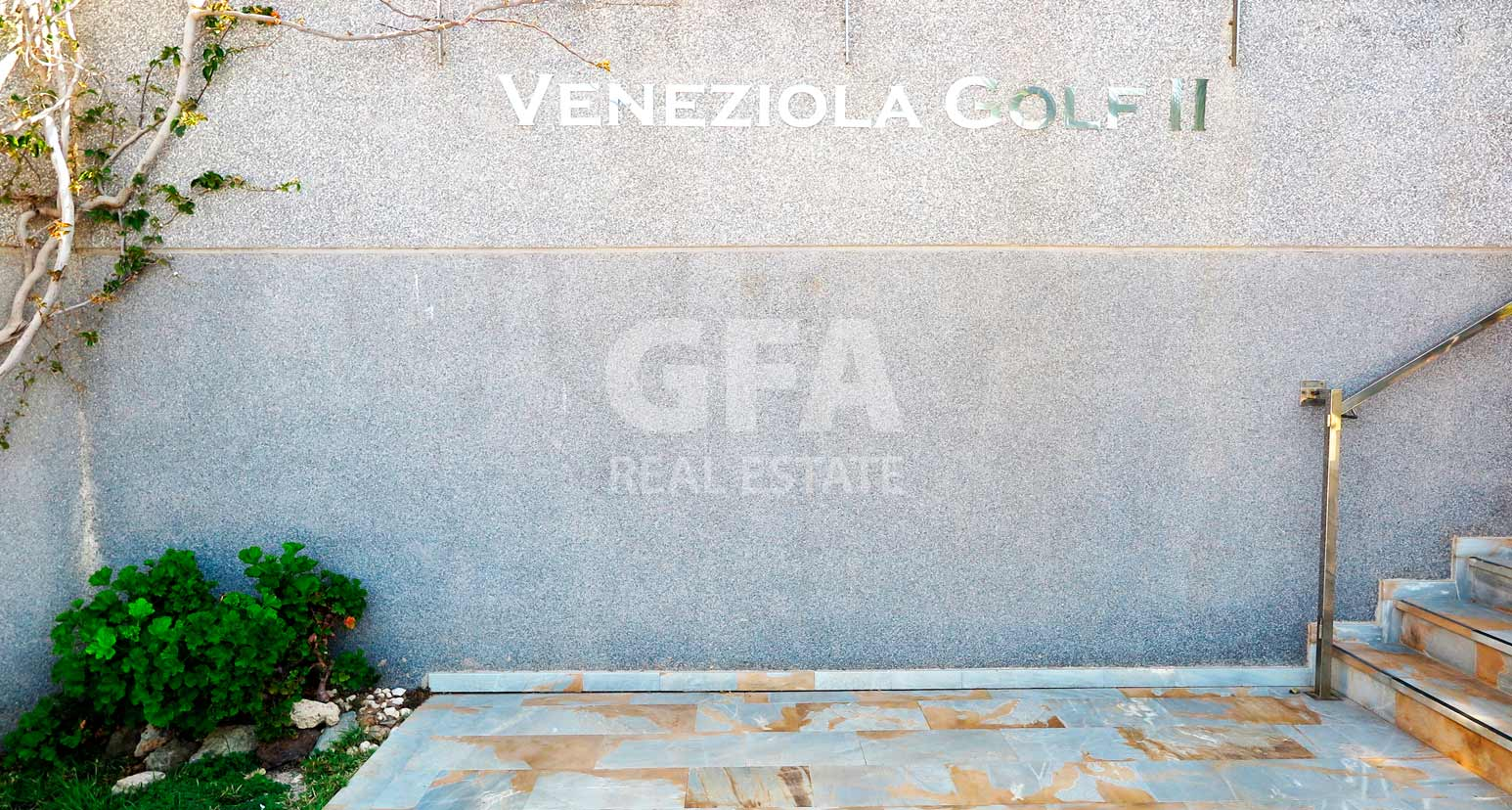 pisos-venta-la-manga-veneziola-entrada